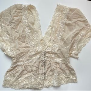 5/$25 Forever 21 Cream Lace Short Sleeve Blouse